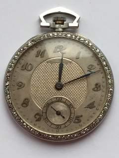 Платиновые часы с бриллиантами в стиле арт-деко. Швейцария.
