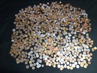 Лот монет  170 евро и много других монет