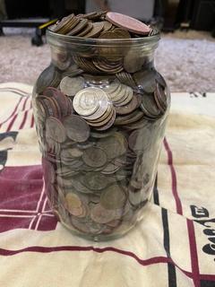 Много монет с 2 копилок