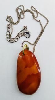 Кулон - подвеска, янтарь натуральный камень, на цепочке, вес 7, 88 грамм.