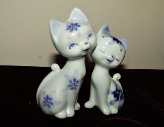 Миниатюра статуэтки Влюблённые кошечки