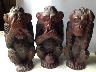 Резьба по дереву (Африка)- Символ долголетия «Три обезьяны»