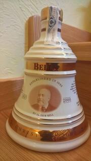 Шотландский виски Ceramica Bell's Decanter Christmas 2000 70cl 40%