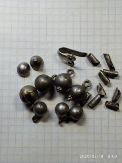 Пуговицы серебряные с крючком и украшения из монет