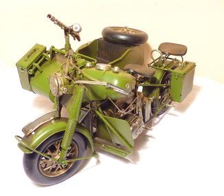 Модель военного мотоцикла с коляской. Металл