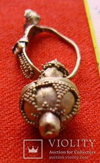 Золотая сережка, Хазарський каганат, Салтівська культура, вес 5.5 грм.