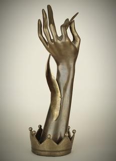 Рука с пером, бронза