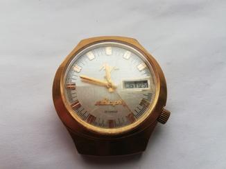 Часы Луч кварц.