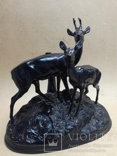Олени на пригорке. Касли 40-50е годы. Большая подписная скульптура.