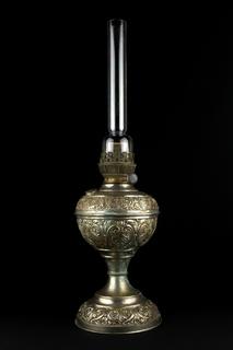Старая керосиновая лампа Augusta Brenner. Чеканка. 570 мм. Германия (0694)