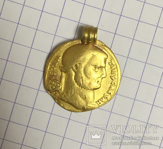 Донативный Ауреус Констанция Хлора с титулом Цезаря