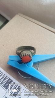 Серебряный перстень с кораллом