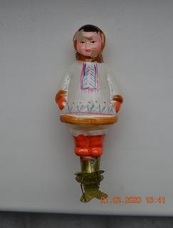 """Старая новогодняя ёлочная игрушка """"Якутская девушка, Якутка, Якутёнок, Якут"""". На прищепке"""