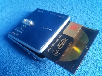 SONY MP3/ Модель Hi-MD Walkman MZ-RH10