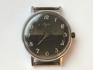 Часы Луч тонкие на ходу лот н 1