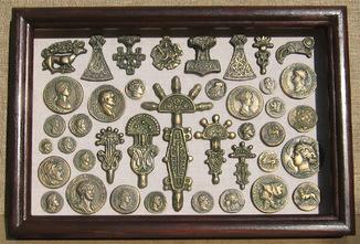 Монеты античности и археология Украины. Копии, в раме со стеклом, 31х21см.