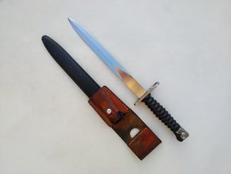 Штык швейцарский образца 1957 к винтовке Sig Stgw. 57. Подвес.
