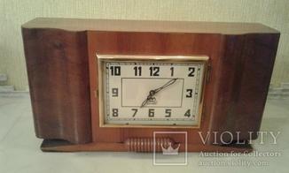 Настольные часы '' Владимир'' с боем.