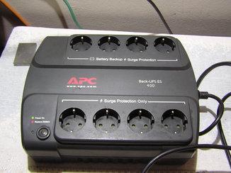 Источник безперебойного питания APC Back-UPS ES 400.