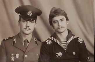 Фото Матроса и Офицера СССР.