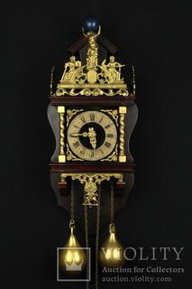 Настенные маятниковые часы WUBA. Механизм Badische Uhrenfabrik. Голландия (0732)