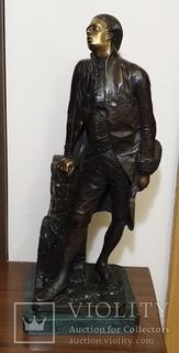 Скульптура бронзовая Музыкант