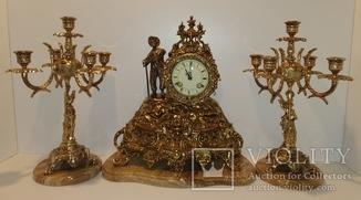 Механічний камінний годинник з боєм на мармурі з підсвічниками по 5 свічок арт. 061