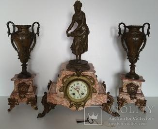 Антикварний механічний бронзовий годинник з боєм і вазами