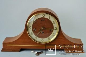 Каминные механические часы с четвертным боем Schmeckenbecher. Европа