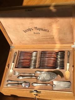 Маршак столовый набор из серебра
