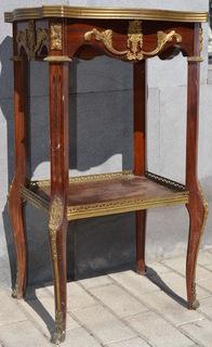 Старинный столик с бронзовыми накладками (19 век)
