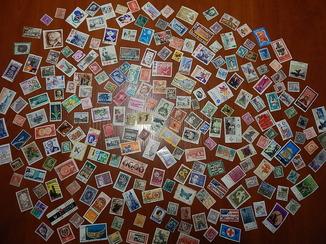 Коллекция цветных тематических марок 250 шт. Присутствуют старые марки.