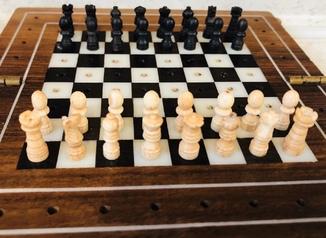 Дорожные шахматы. Кость, дерево .