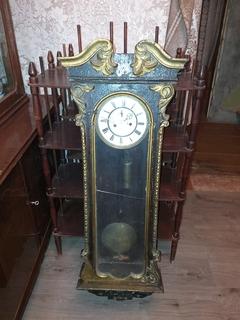 Старинные жильные часы. Густав Бекер