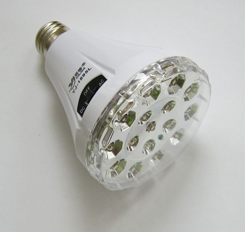 Светодиодная лампа фонарь Yajia YJ-1895L