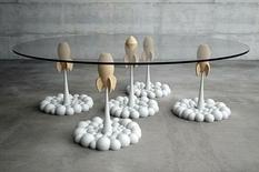 Дизайнер из Греции сконструировал столик в космическом стиле