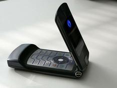 Motorola RAZR V3: вспомним историю культового телефона