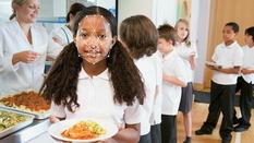Британские школы введут систему распознавания лиц в столовых